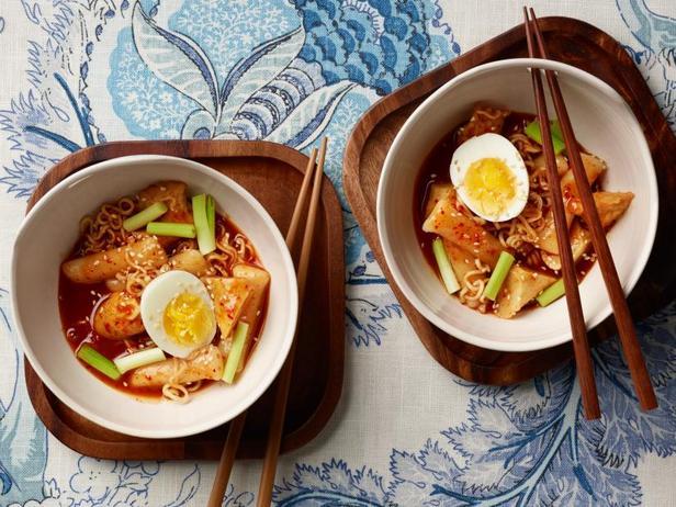 Фото Рапокки: острая лапша с рисовыми клёцками