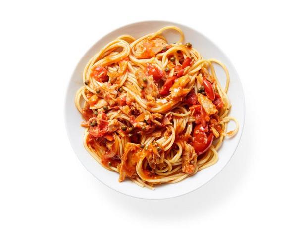 Томатный соус с тунцом к спагетти