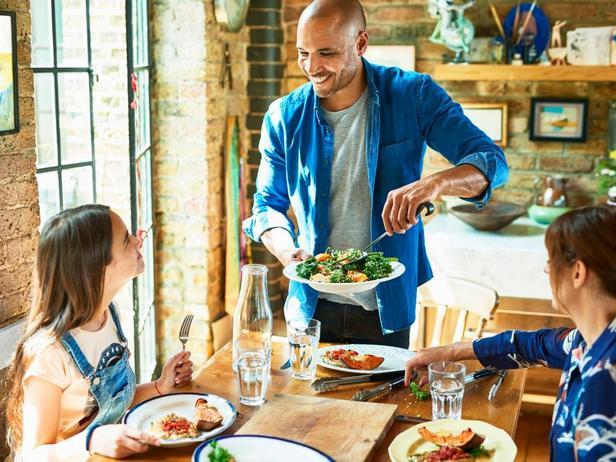 Здоровое питание на выходных: 10 советов от диетологов