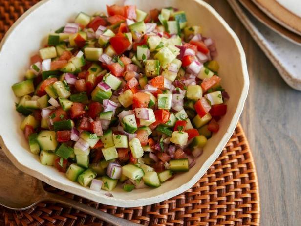 Фото Салат из свежих помидоров и огурцов