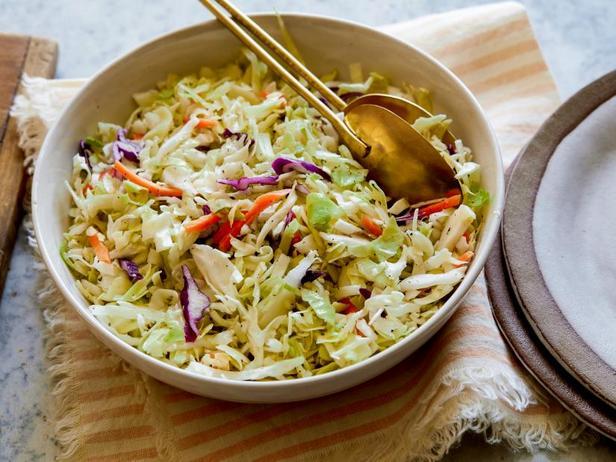 Капустный салат с уксусом и растительным маслом