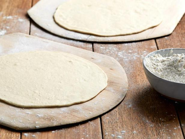 Фото Тесто для пиццы из двух ингредиентов