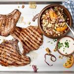 Свинина на гриле с салатом суккоташ за 25 минут