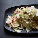 Витаминный салат с капустой и морковью