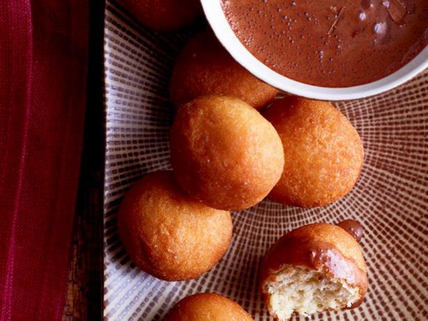 Фото Шоколадный соус к пончикам
