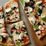 Полезная пицца со шпинатом и рикоттой