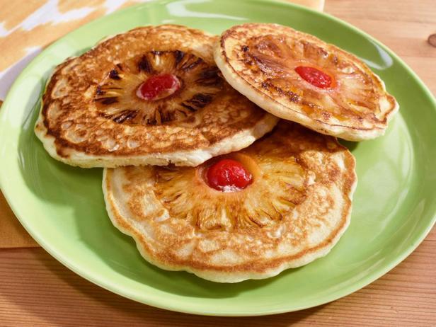 Перевернутые панкейки с ананасом (оладьи с припеком)