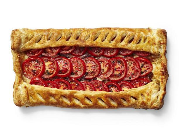 Тарт с томатами, беконом и сыром