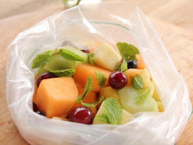 Фруктовый салат в пакете