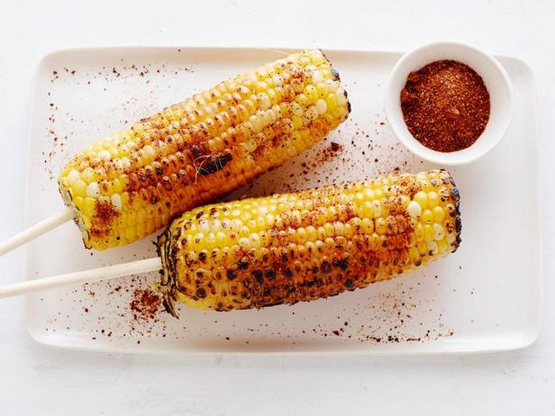 Кукуруза на гриле с порошком чили