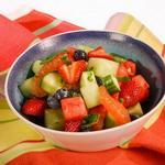 Фруктовый салат с базиликом и халапеньо