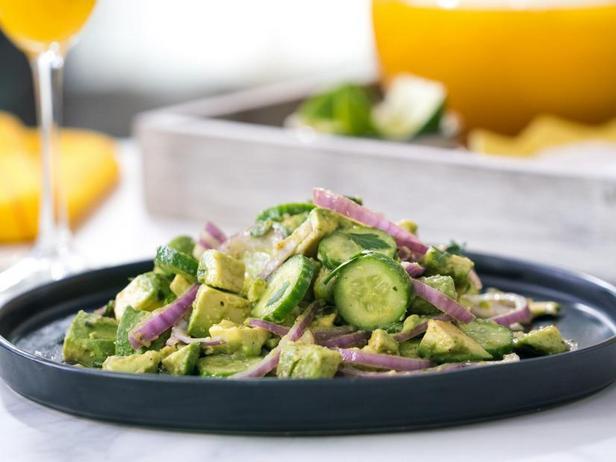 Салат из авокадо