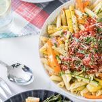 Летняя паста с жареными овощами