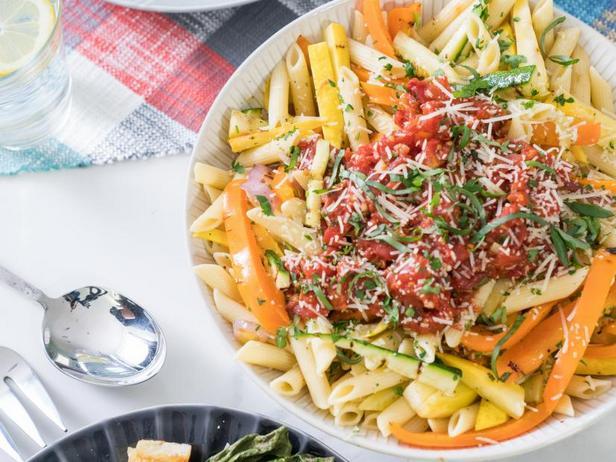Фото Летняя паста с жареными овощами