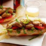Сэндвич с жареными солёными огурцами