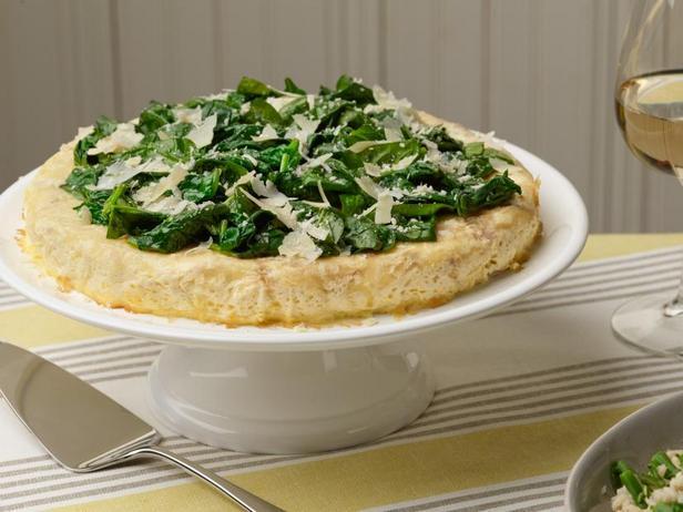 Киш без коржа с ветчиной, сыром и шпинатом в медленноварке