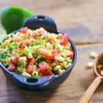 Мексиканская овощная сальса с жареной кукурузой