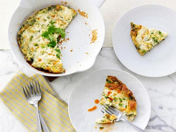 Омлет с зеленью и плавленым сыром