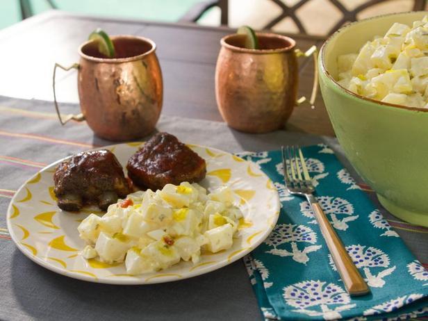 Холодный картофельный салат с овощной икрой