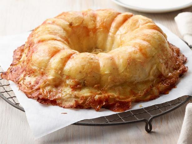 Картофельная запеканка с сыром в форме для кекса