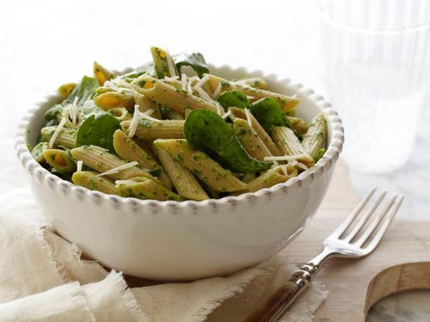 Паста пенне с сыром и шпинатом