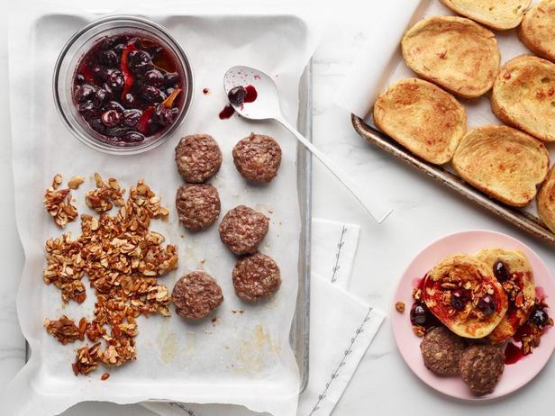 Фото Поздний завтрак на противне на День матери