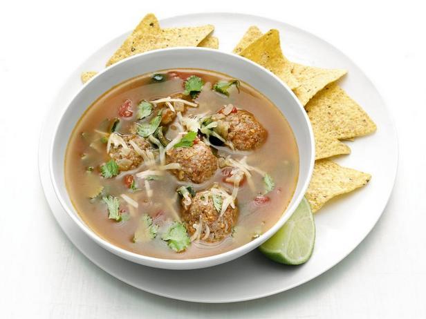 Мексиканский суп с фрикадельками из чоризо