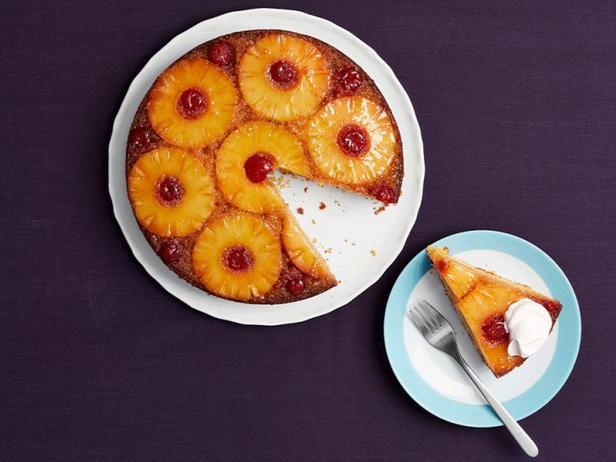 Пирог-перевёртыш с ананасами и карамелью