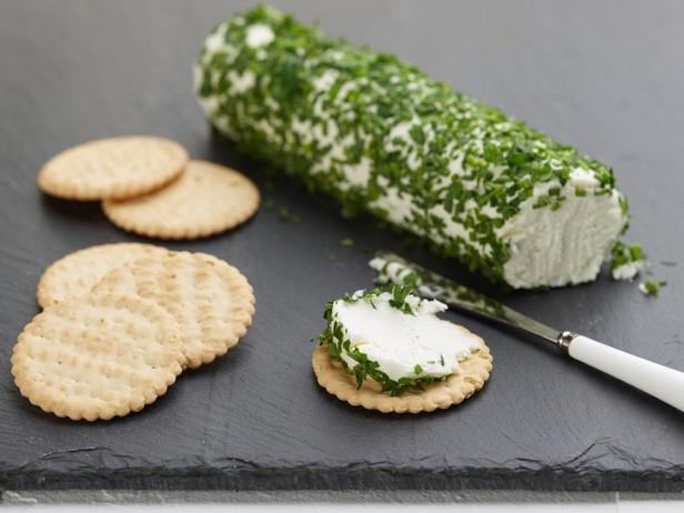 Козий сыр с зеленью