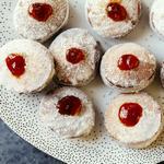 Суфгания – пончики с джемом