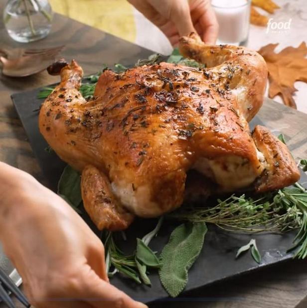 Праздничная курица с печёными овощами