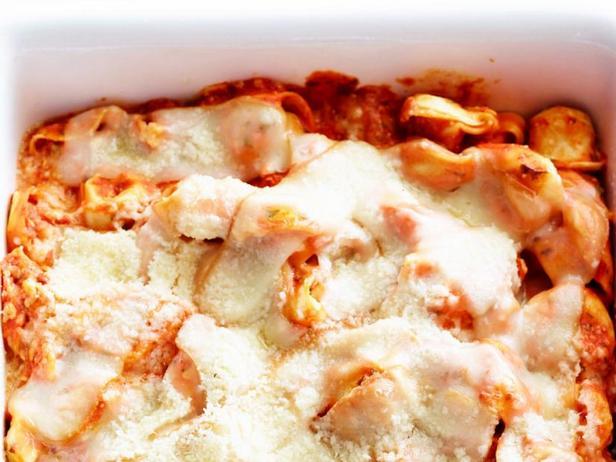Фото Запеканка из тортеллини с сыром