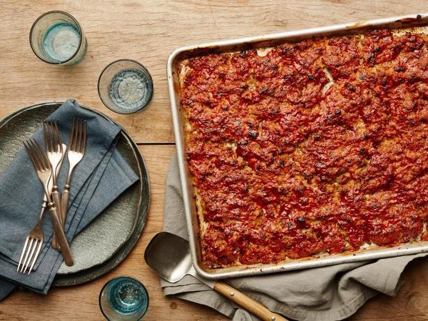 Фото Митлоф в томатной глазури на противне