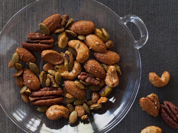 Фото Жареные орехи в кленовой глазури