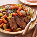 Тушёная говядина с овощами