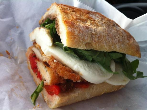 Фото Сэндвичи с курицей «Кордон-блю»