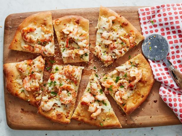 Пицца с креветками скампи