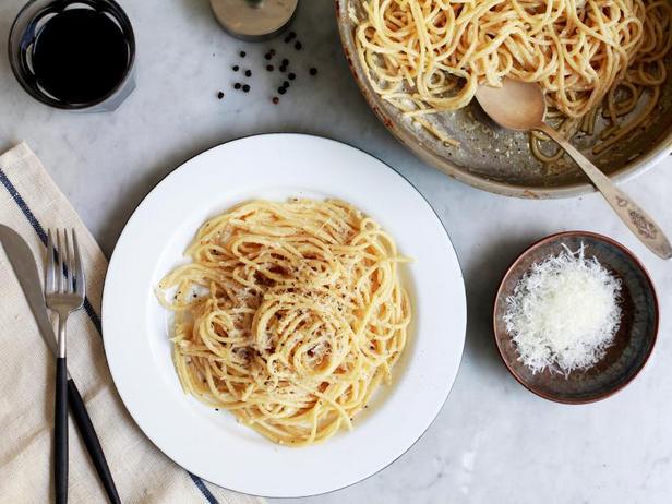 Спагетти «Качио-э-пепе»