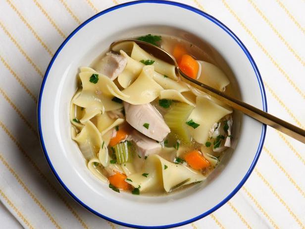 Фото Самый лучший куриный суп с лапшой