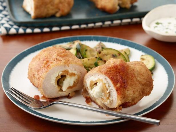 Фото Курица с начинкой из халапеньо и сливочного сыра
