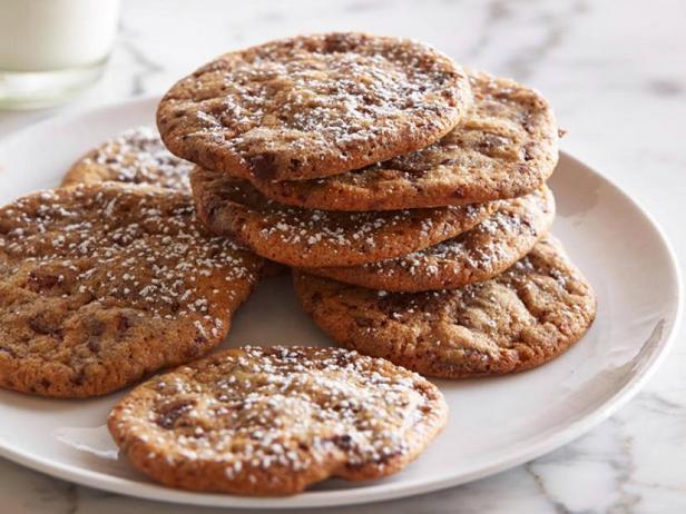 Фото Классическое печенье с кусочками шоколада