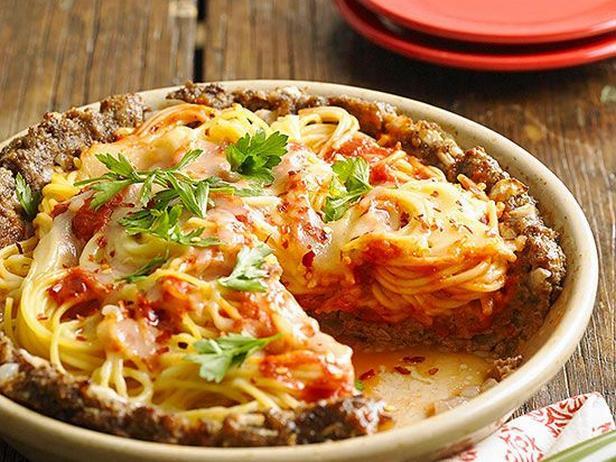 Фото Пирог из спагетти с говядиной