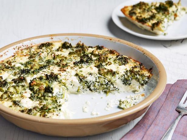 Киш с брокколи и козьим сыром без коржа