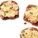Британские горячие бутерброды с сыром и печёной фасолью