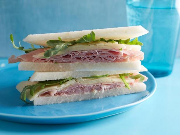 Фото Сэндвичи с ветчиной и сыром без хлеба