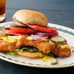 Сэндвич со свиной вырезкой в панировке